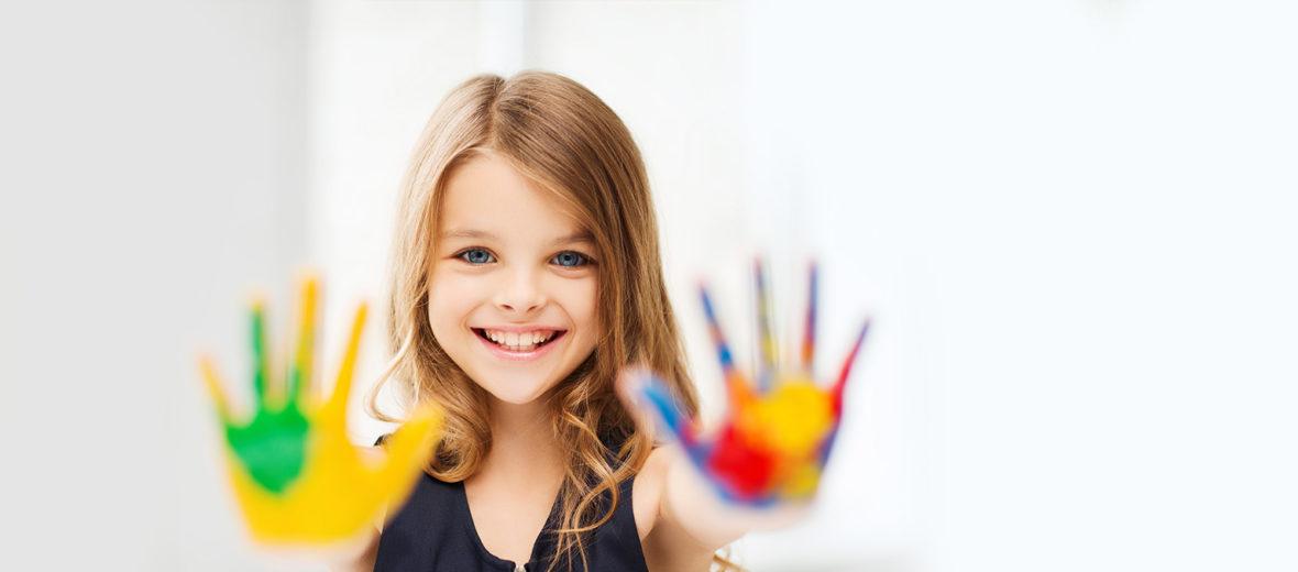 Bambina cover enti comuni fonzazioni Pleiadi Science Farmer Educazione STEAM STEM scienza esperimenti laboratori imparare con le mani mostra interattiva progetto educativo infanzia adolescenti bambini eventi didattici scientifici